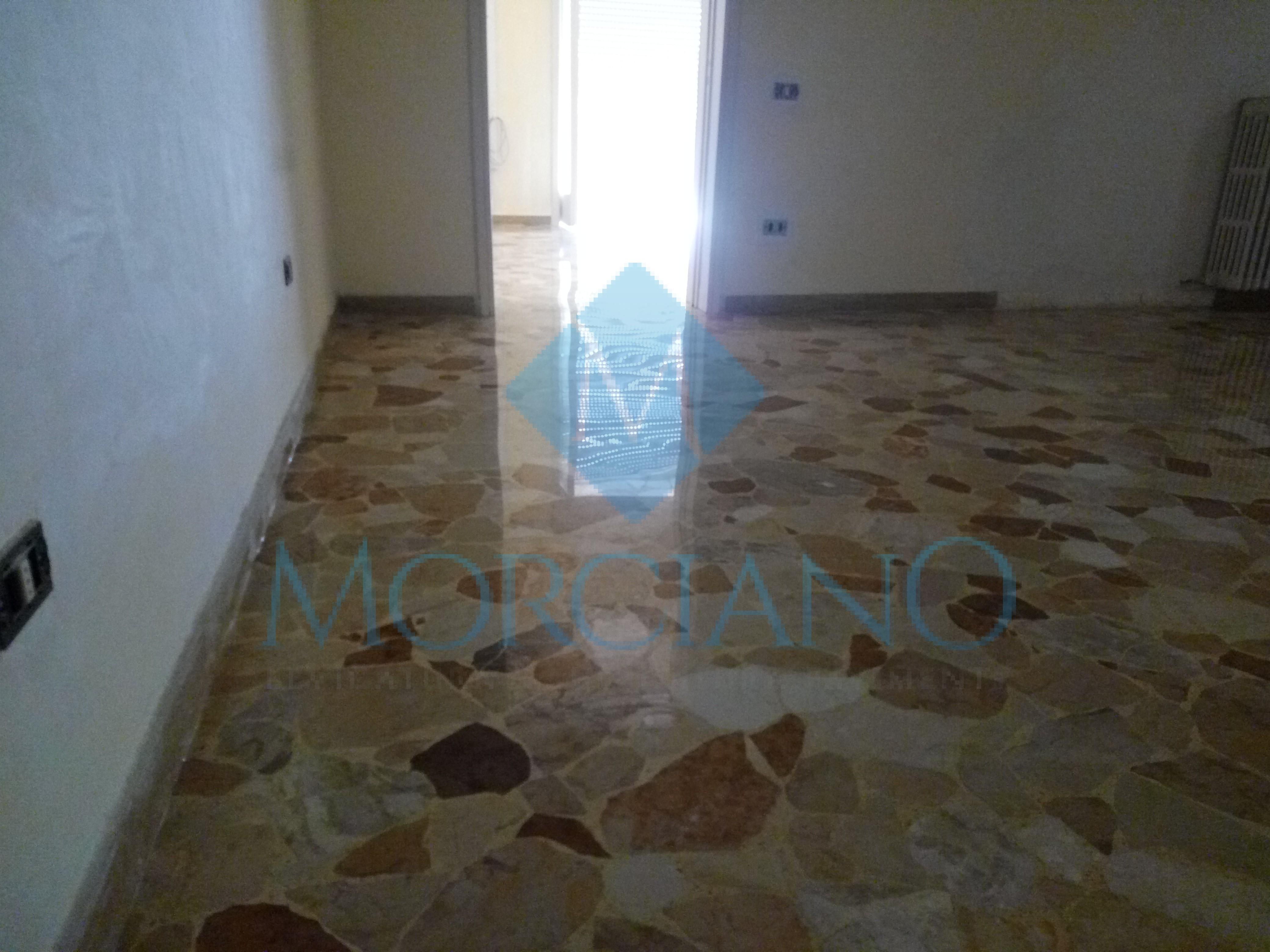 Levigatura e lucidatura di un pavimento a mosaico Lecce
